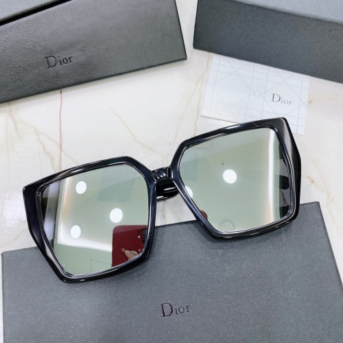 Christian Dior AAA Quality Sunglasses #875035