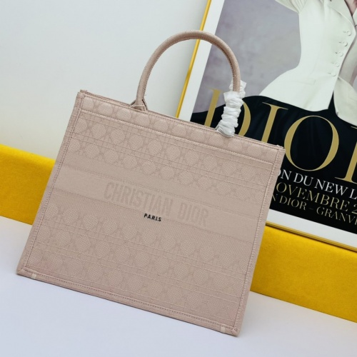 Christian Dior AAA Handbags For Women #875237