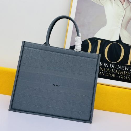 Christian Dior AAA Handbags For Women #875239