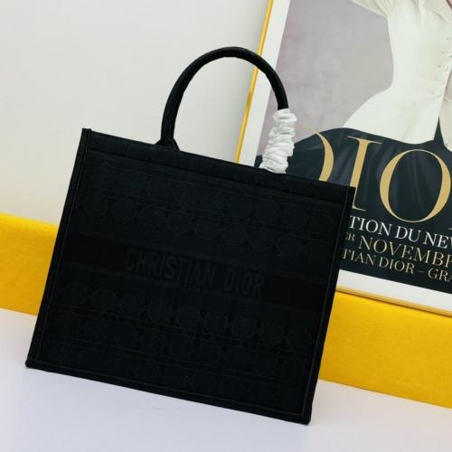 Christian Dior AAA Handbags For Women #875240