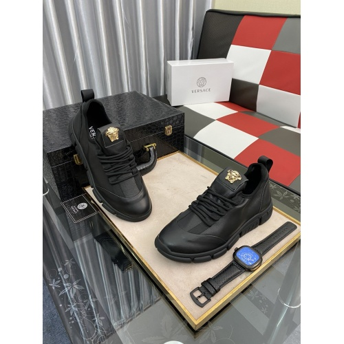 Versace Casual Shoes For Men #875575