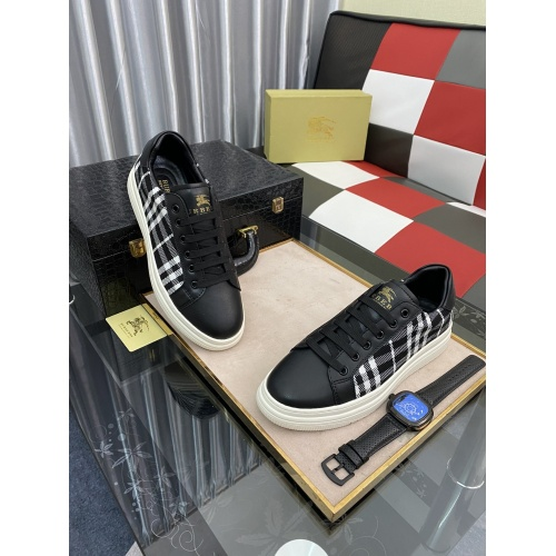 Burberry Casual Shoes For Men #875591