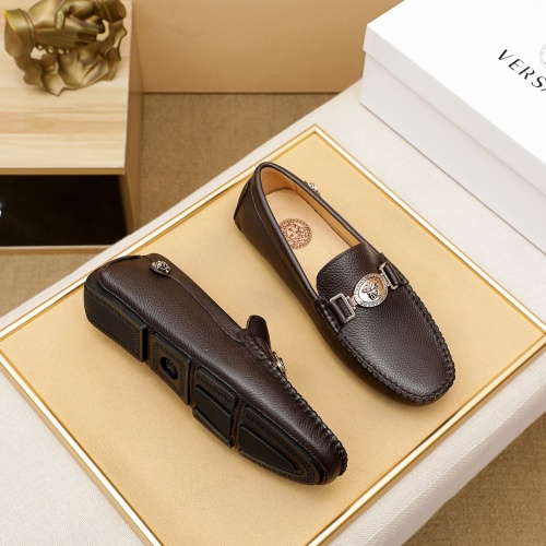 Versace Leather Shoes For Men #876378