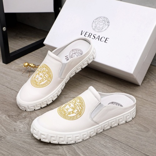 Versace Casual Shoes For Men #876392