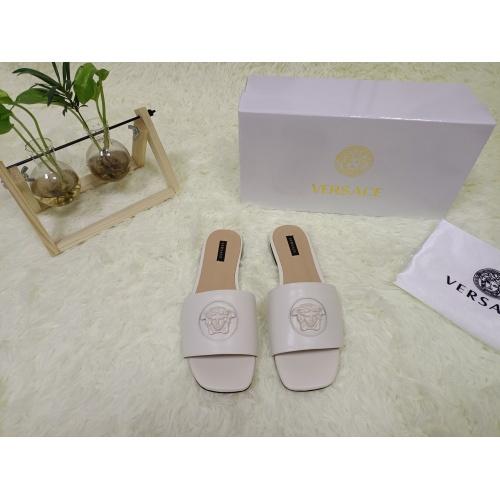 Versace Slippers For Women #876969