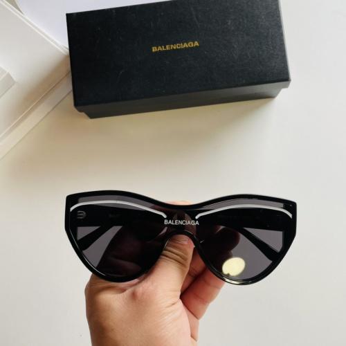 Balenciaga AAA Quality Sunglasses #877295