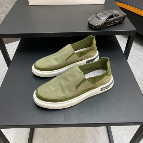 Versace Casual Shoes For Men #877445