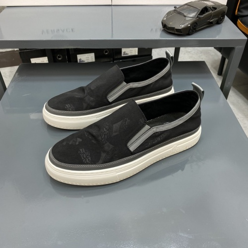 Versace Casual Shoes For Men #877448