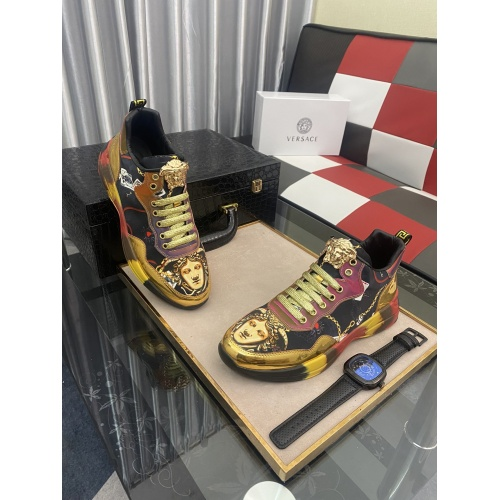 Versace Casual Shoes For Men #877721