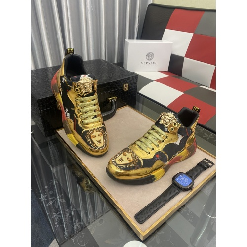 Versace Casual Shoes For Men #877722