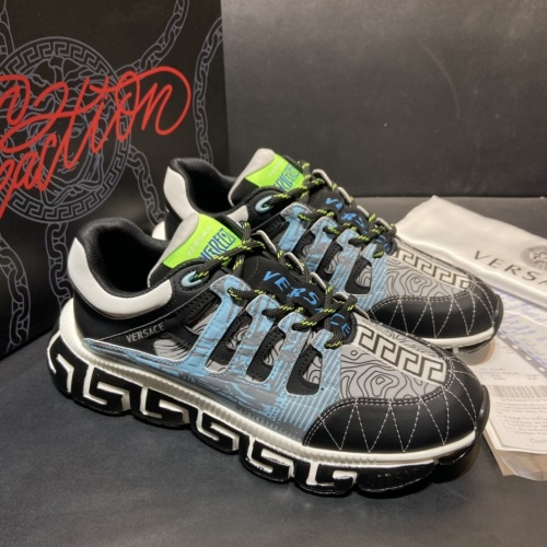 Versace Casual Shoes For Men #877817