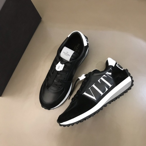 Valentino Casual Shoes For Men #878295