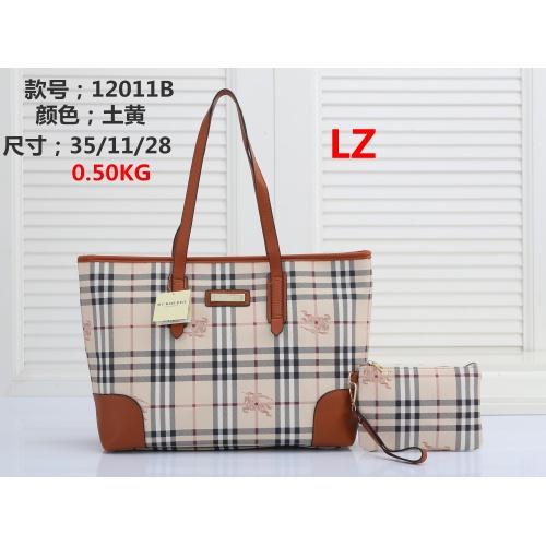 Burberry Handbags #878400
