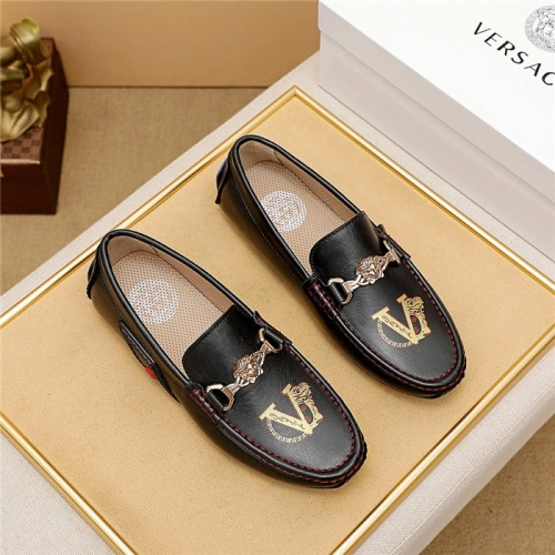 Versace Leather Shoes For Men #879622