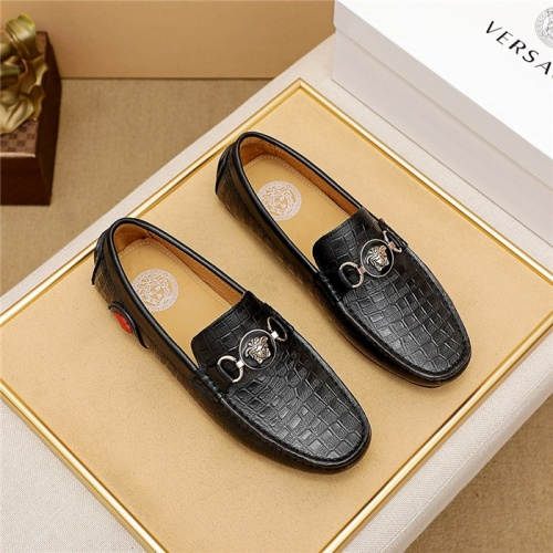 Versace Leather Shoes For Men #879625