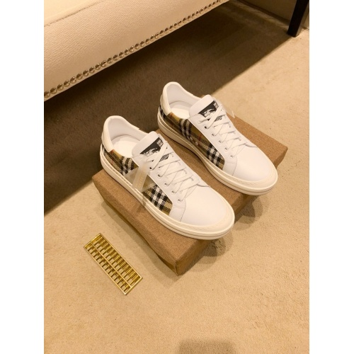 Replica Burberry Casual Shoes For Men #879806 $76.00 USD for Wholesale