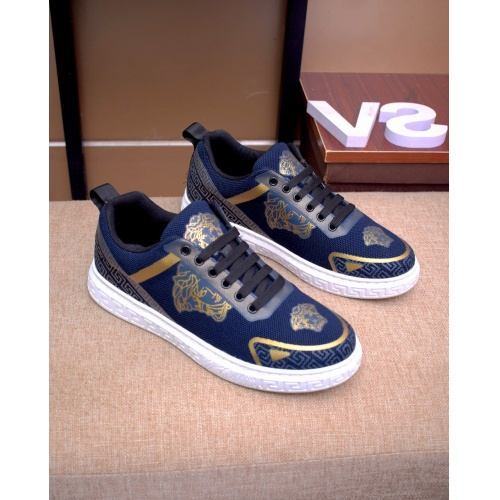 Versace Casual Shoes For Men #879832