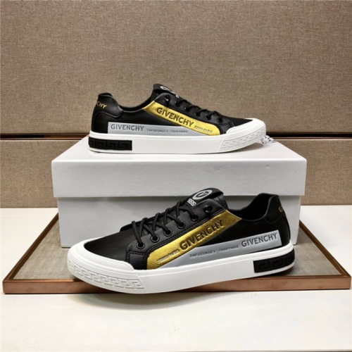 Versace Casual Shoes For Men #880002