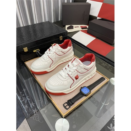 Valentino Casual Shoes For Men #880284