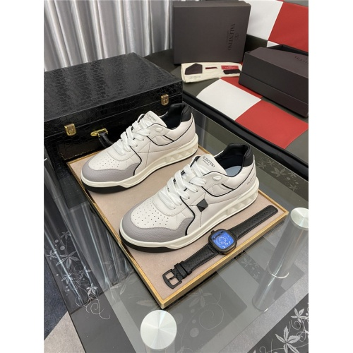 Valentino Casual Shoes For Men #880285