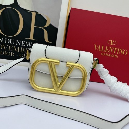 Valentino AAA Quality Messenger Bags For Women #881787