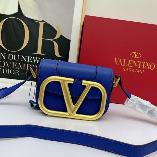 Valentino AAA Quality Messenger Bags For Women #881794