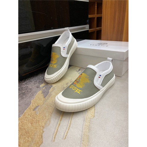 Versace Casual Shoes For Men #882232