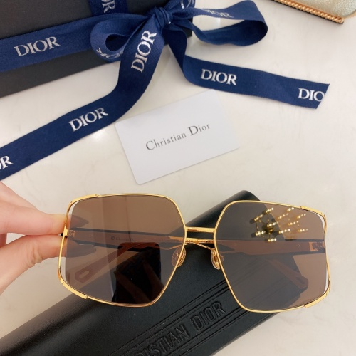 Christian Dior AAA Quality Sunglasses #882671