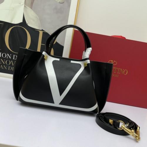 Valentino AAA Quality Handbags For Women #883061