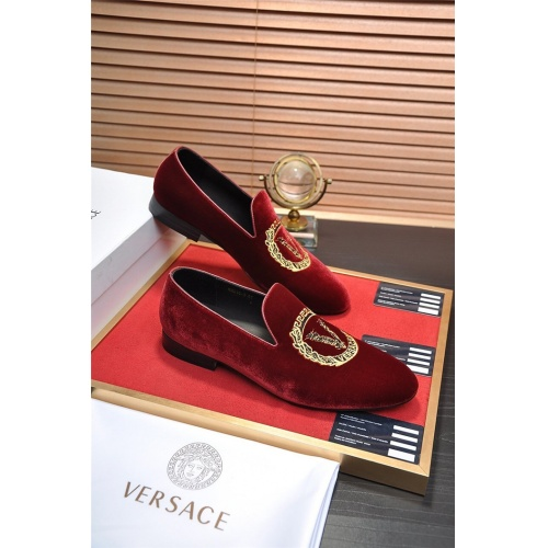 Versace Leather Shoes For Men #883376
