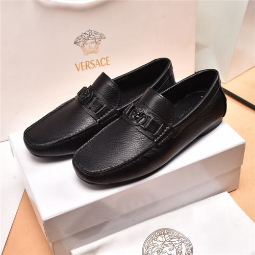 Versace Leather Shoes For Men #884700
