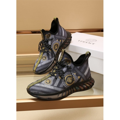 Versace Casual Shoes For Men #885118