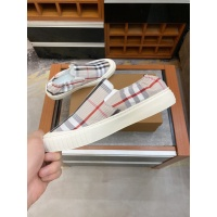 $60.00 USD Burberry Casual Shoes For Men #879781