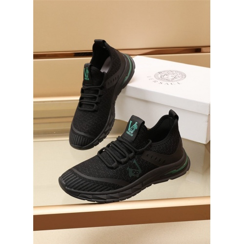 Versace Casual Shoes For Men #885458
