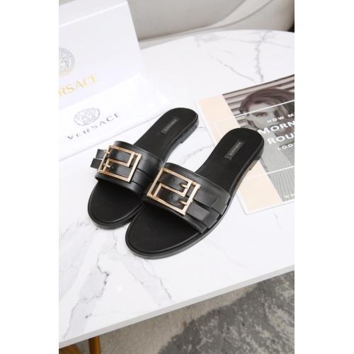Versace Slippers For Women #885908