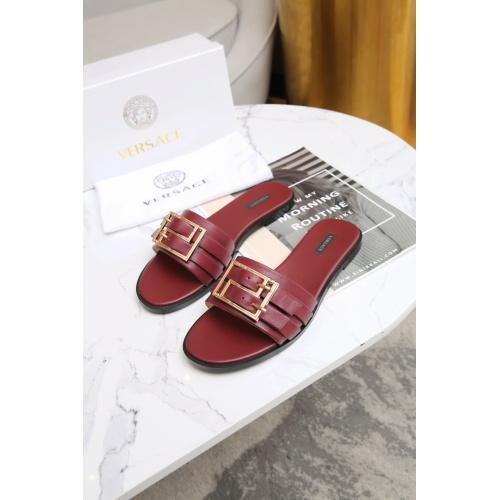 Versace Slippers For Women #885909