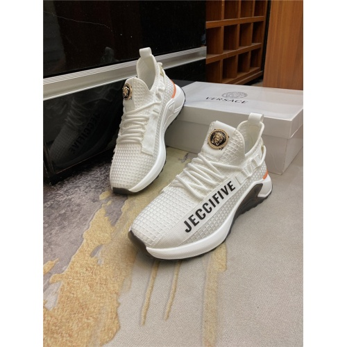 Versace Casual Shoes For Men #885953