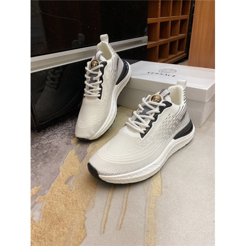 Versace Casual Shoes For Men #885955