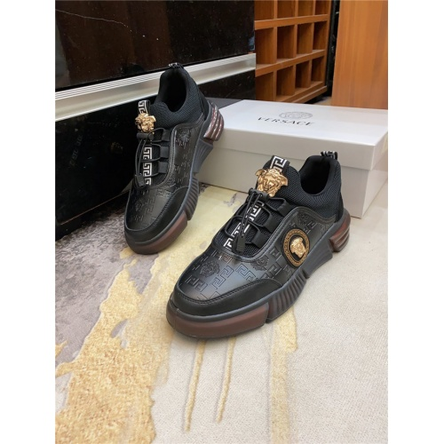Versace Casual Shoes For Men #885957