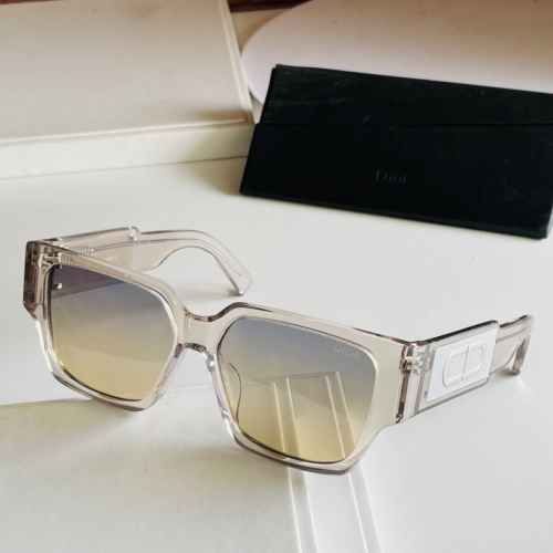 Christian Dior AAA Quality Sunglasses #885987