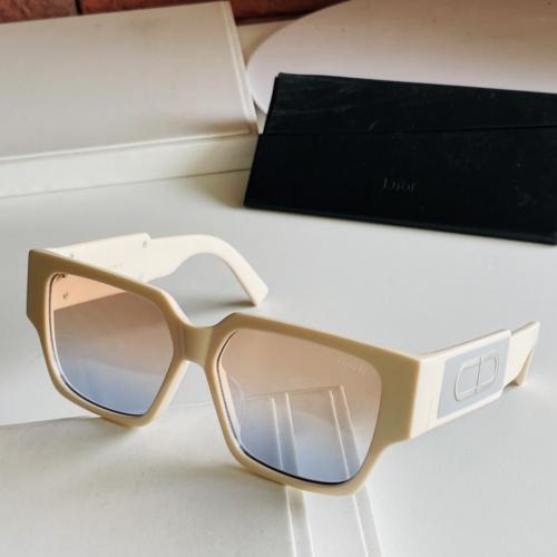 Christian Dior AAA Quality Sunglasses #885989