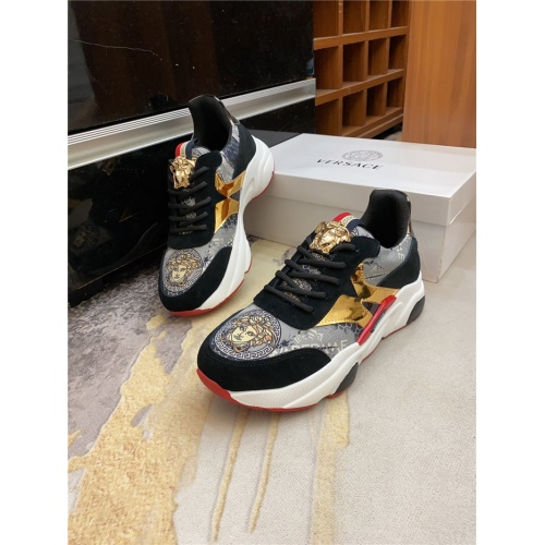 Versace Casual Shoes For Men #886392