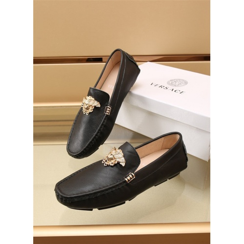 Versace Leather Shoes For Men #886408