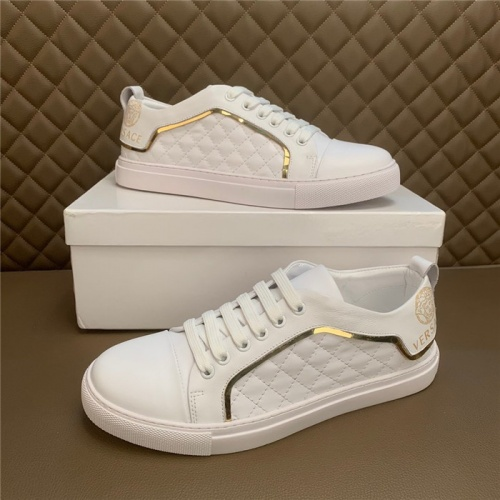 Versace Casual Shoes For Men #886635