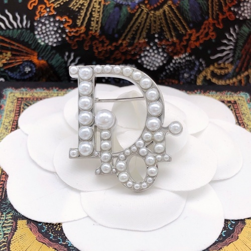 Christian Dior Brooches #887716