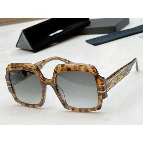 Christian Dior AAA Quality Sunglasses #888339