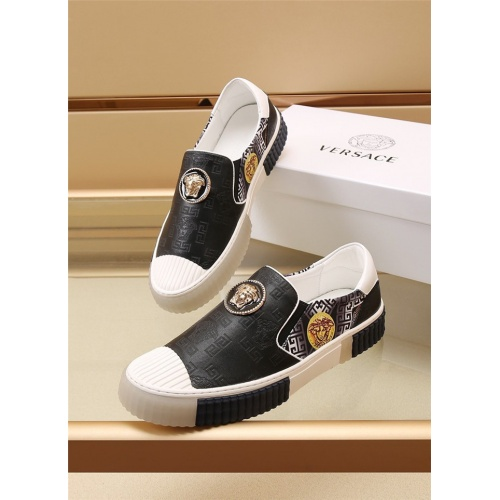 Versace Casual Shoes For Men #888875