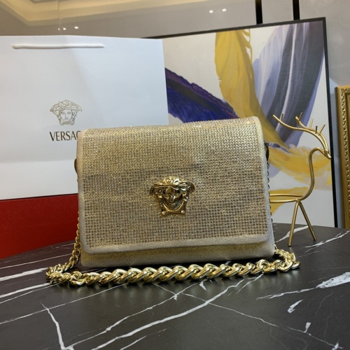 Versace AAA Quality Messenger Bags For Women #889008