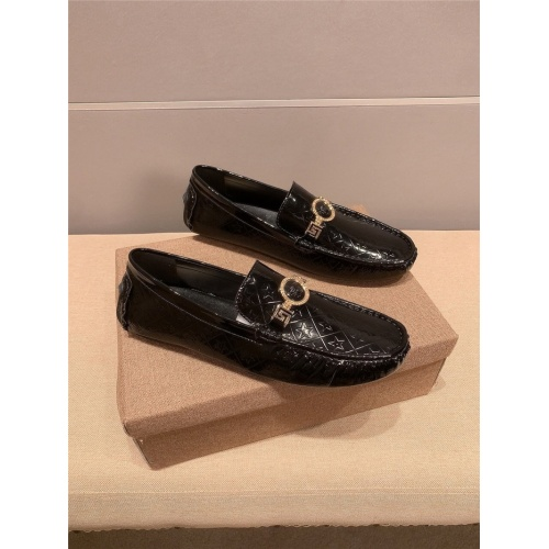 Versace Casual Shoes For Men #889428 $68.00 USD, Wholesale Replica Versace Casual Shoes