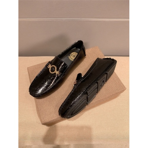 Replica Versace Casual Shoes For Men #889428 $68.00 USD for Wholesale
